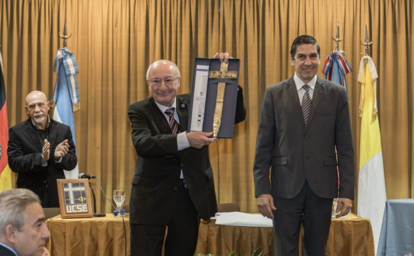Entrega del «Doctor Honoris Causa» al profesor Robert Alexy